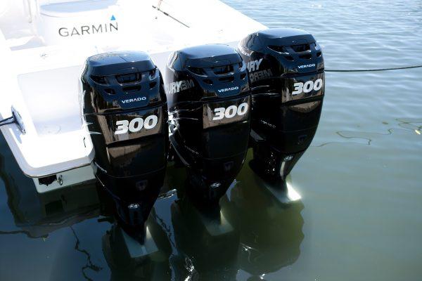 Катера/лодки/гидроциклы/лодочные моторы