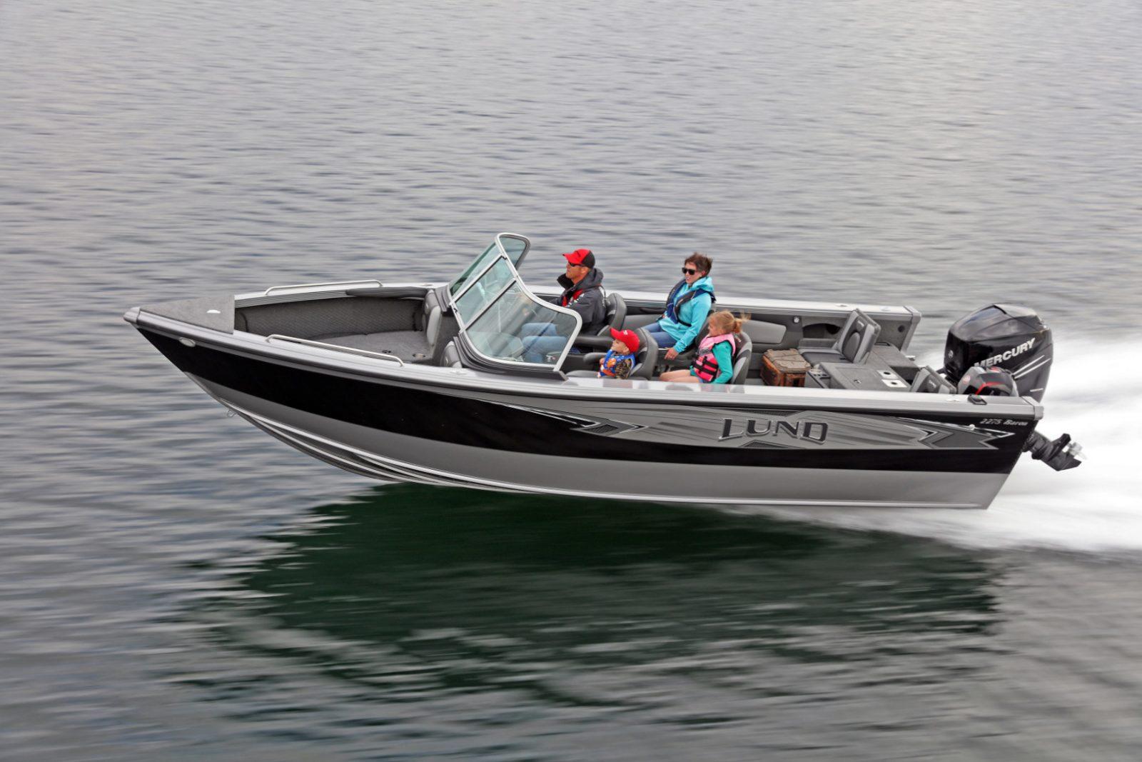 Лодка Lund 2275 BARON